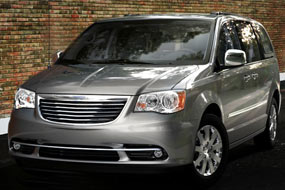 Chrysler Town and Country Touring-L 2012 neuf